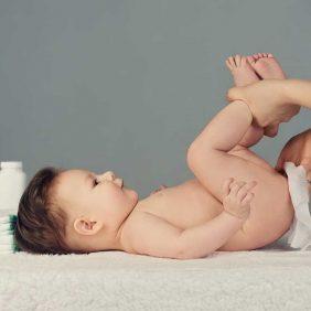 Bebeklerde Genital Bölge Muayenesi