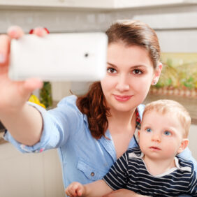 Sosyal Medyada Çocuklarınızla İlgili Asla Paylaşmamanız Gereken 7 Şey
