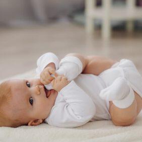 1 Aylık Bebek Günde Kaç Kez Kaka Yapar?